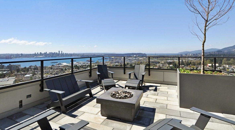 establish a rooftop apartment
